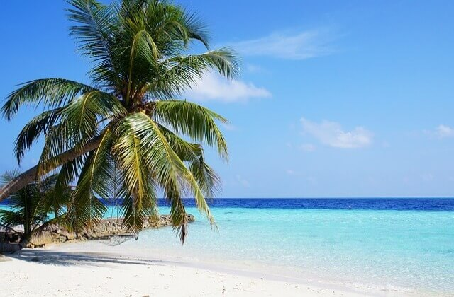 boka resa maldiverna tips