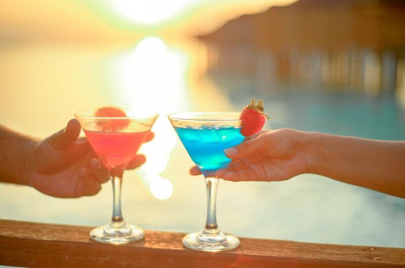att göra på maldiverna - dricka drinkar