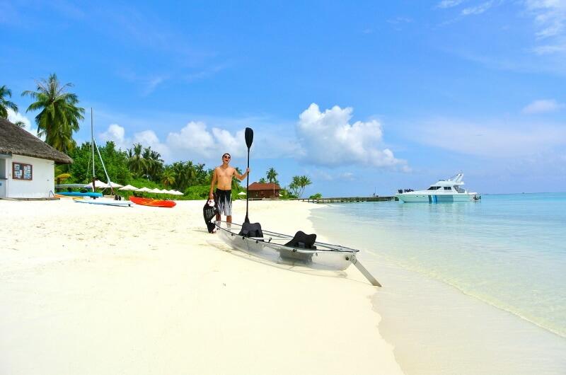 att göra på maldiverna - paddla kajak - kanot