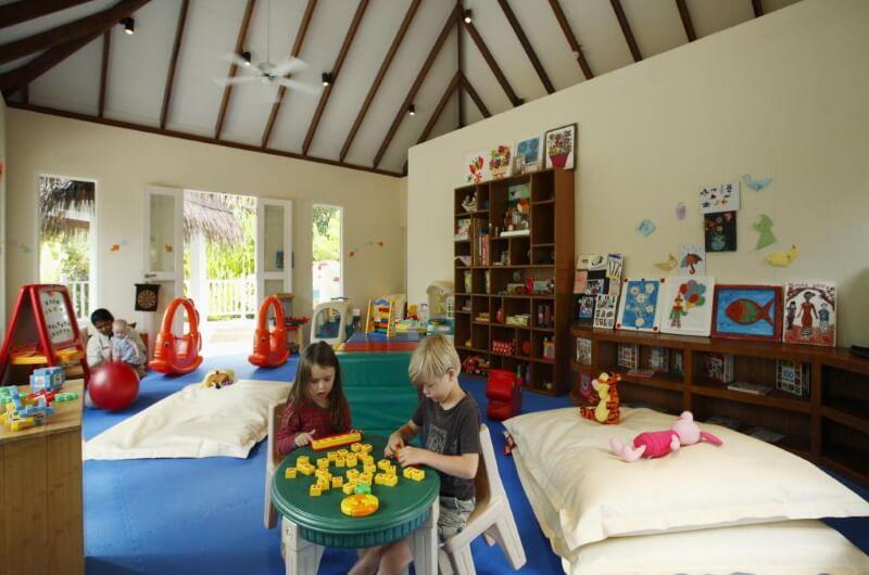 centara grand island resort maldiverna - med barn